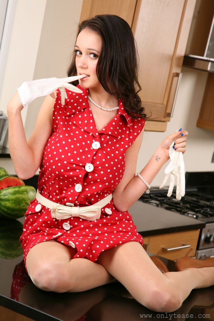 clair-meek-kitchen-pantyhose-onlytease-08