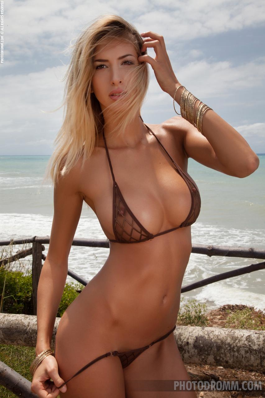 Anya kop nude