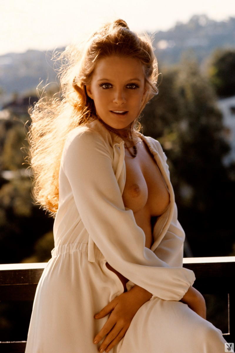 claudia-jennings-miss-november-1969-vintage-playboy-11