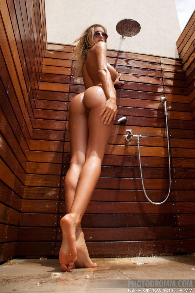 claudia-outdoor-shower-photodromm-09