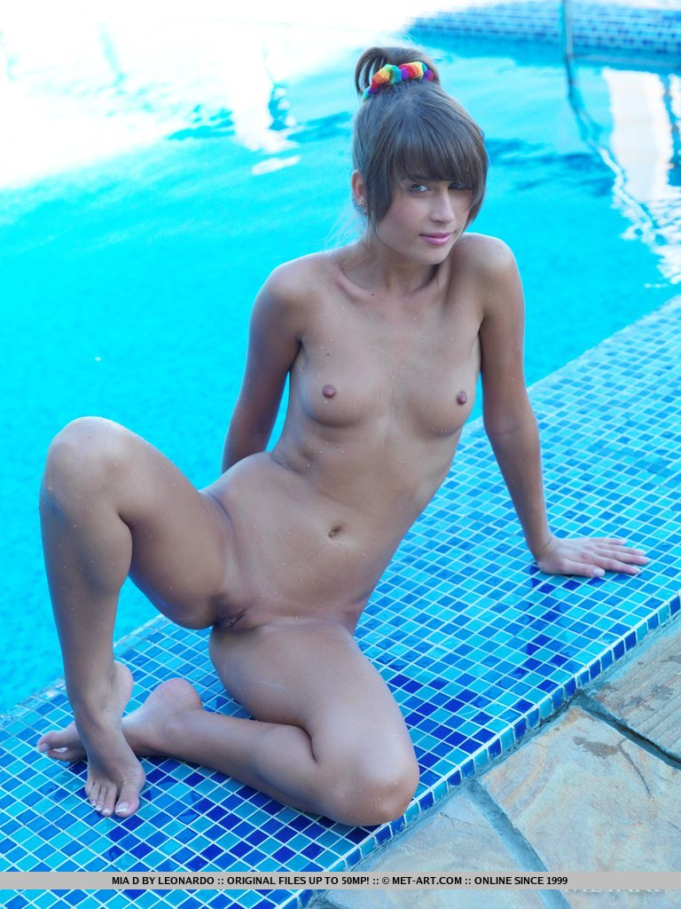 mia-d-pool-met-art-18