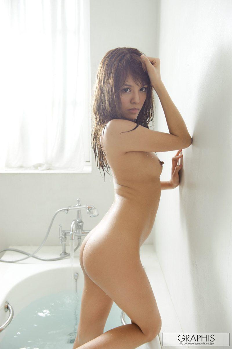 coco-aiba-nude-bathroom-graphis-22