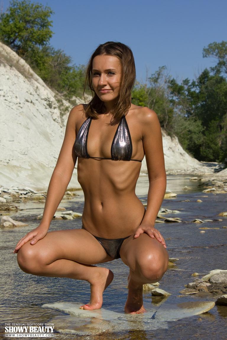 coco-bikini-showy-beauty-02