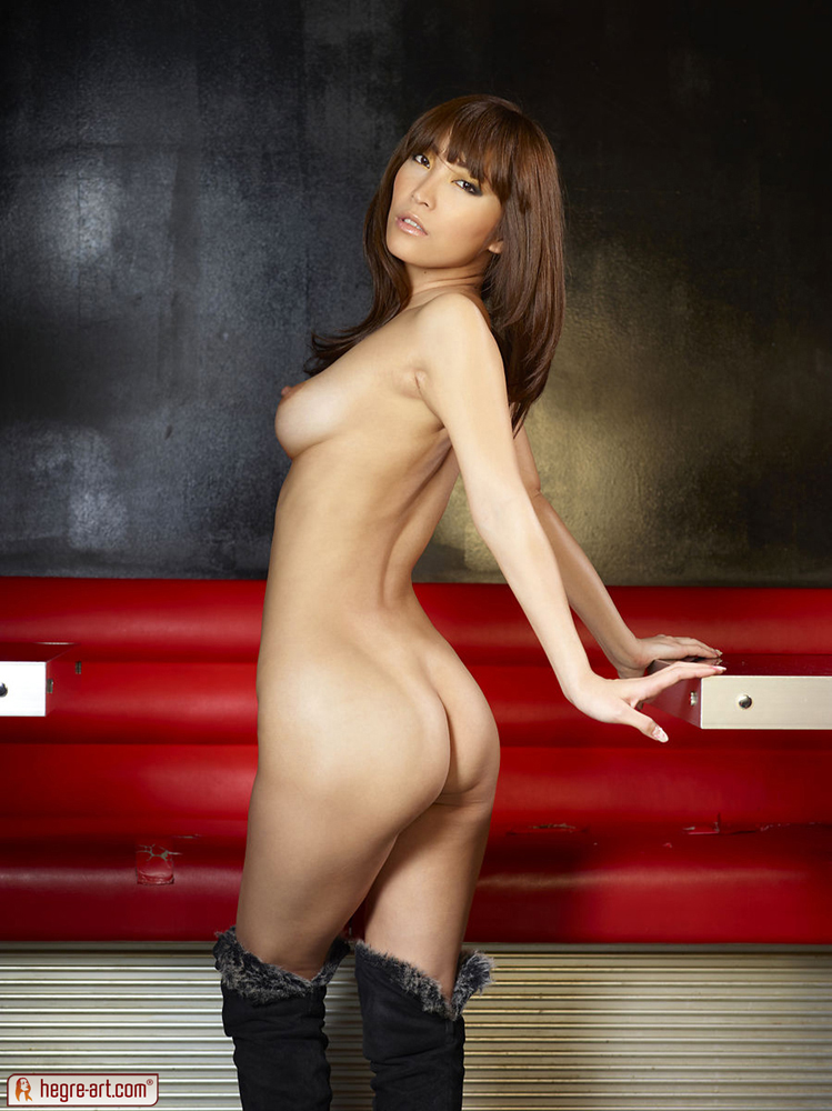 cocomi-sakura-nude-hegre-art-09