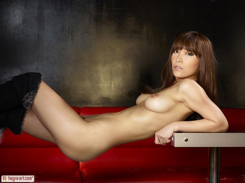 cocomi-sakura-nude-hegre-art-16