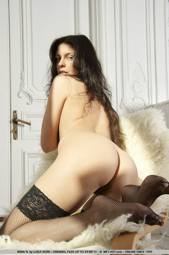 irina-n-black-stockings-met-art-02