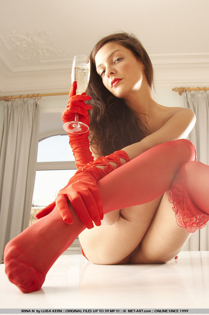 irina-n-red-stockings-met-art-02
