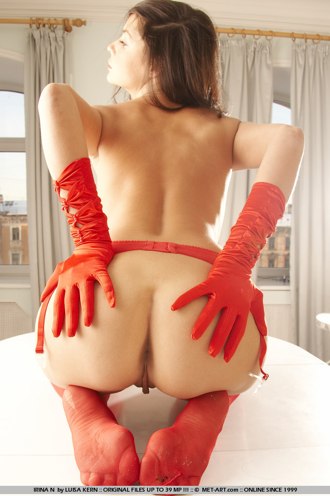 irina-n-red-stockings-met-art-10