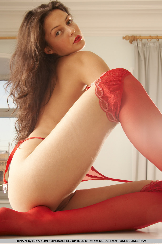 irina-n-red-stockings-met-art-14