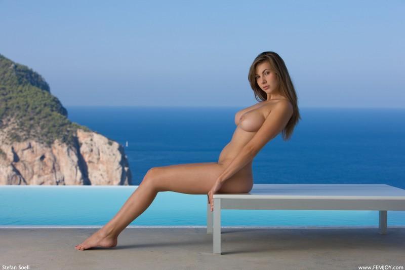 josephine-the-view-nude-femjoy-18