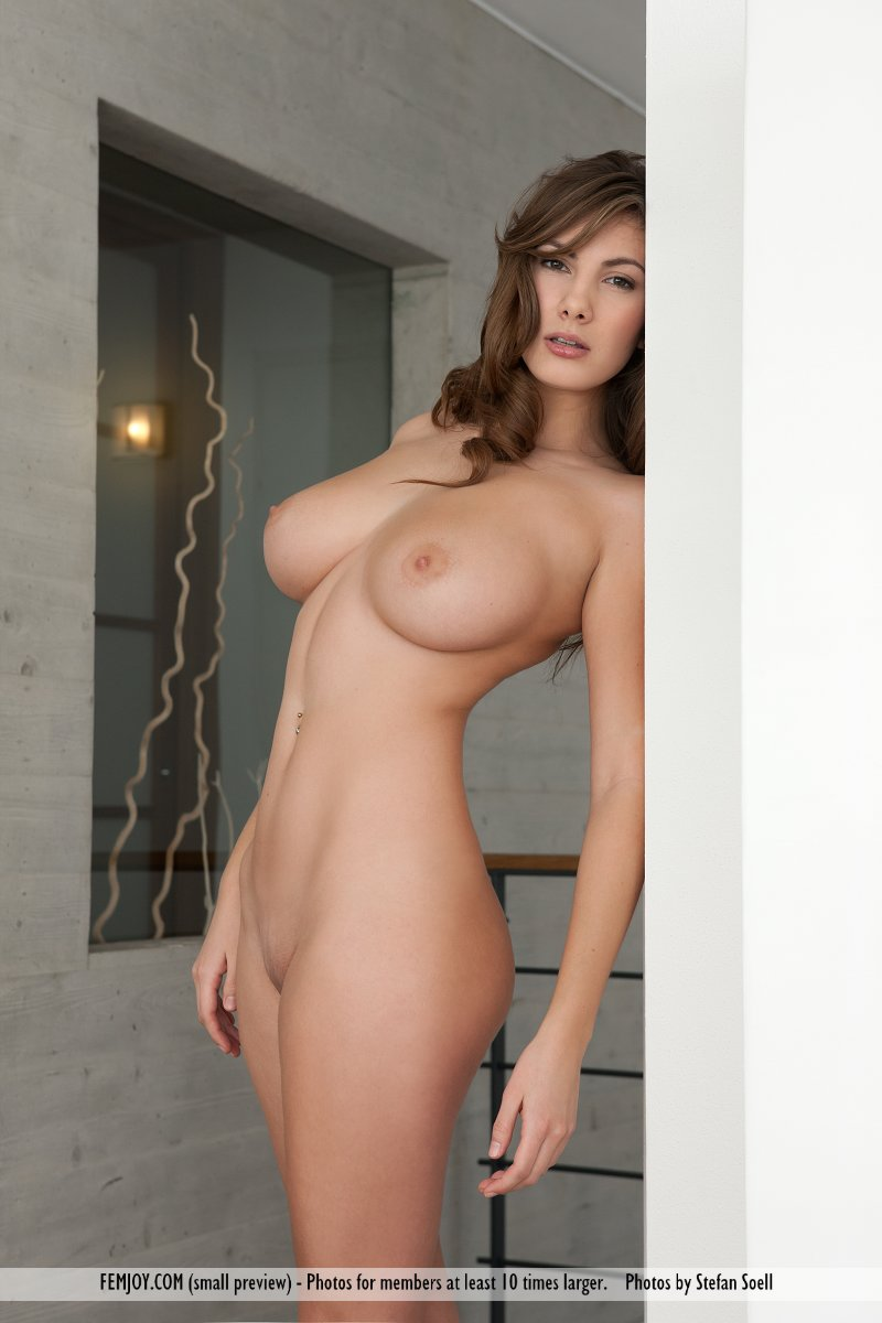Conny naked, pornhub lesbians lick eat pussy
