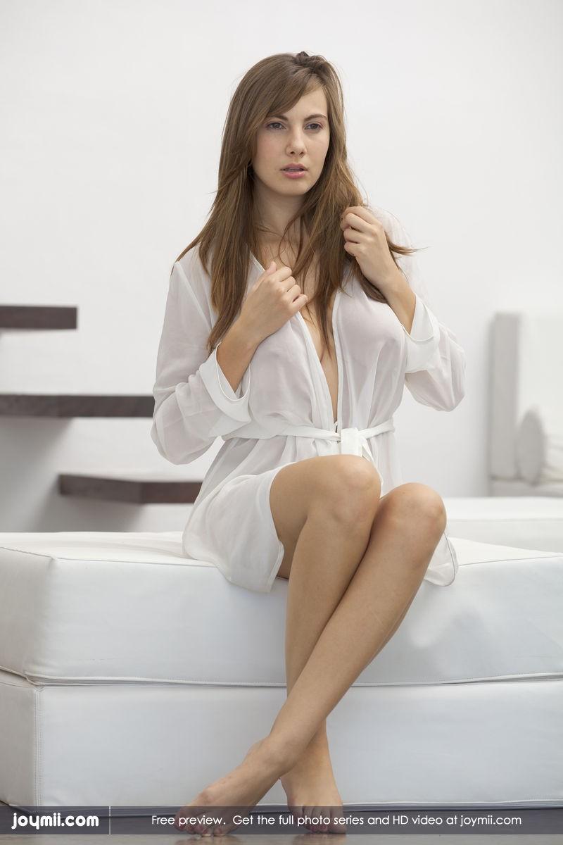 josephine-dressing-gown-nude-joymii-02