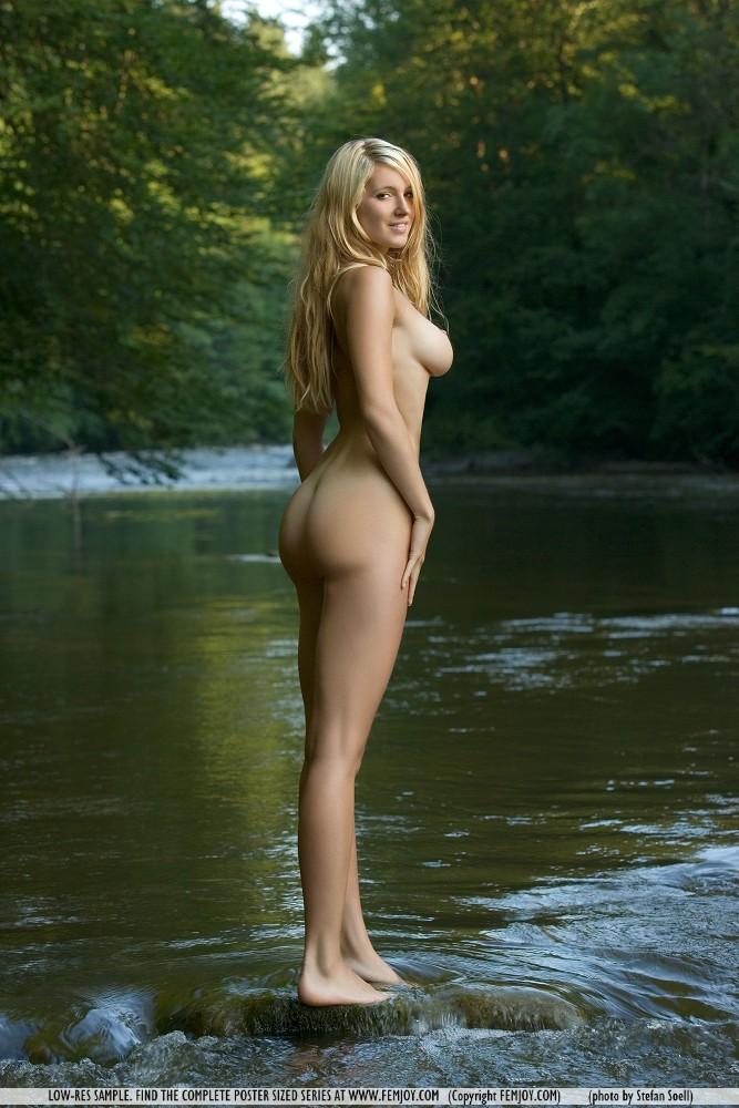 corinna-river-nude-femjoy-02