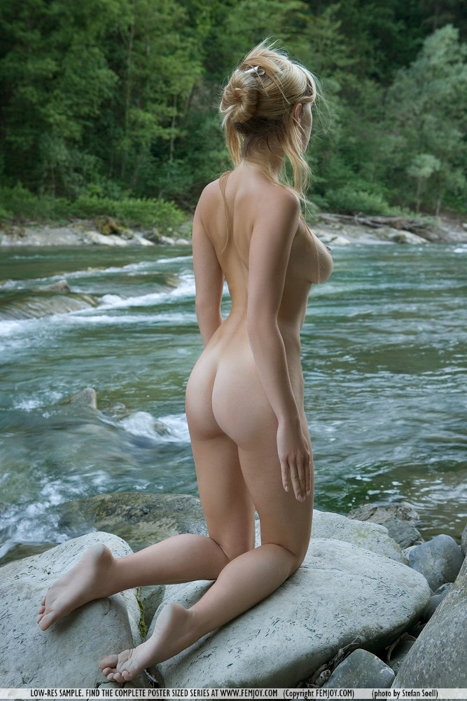 corinna-river-femjoy-11