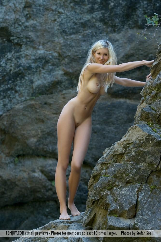 corinna-naked-rocks-femjoy-01