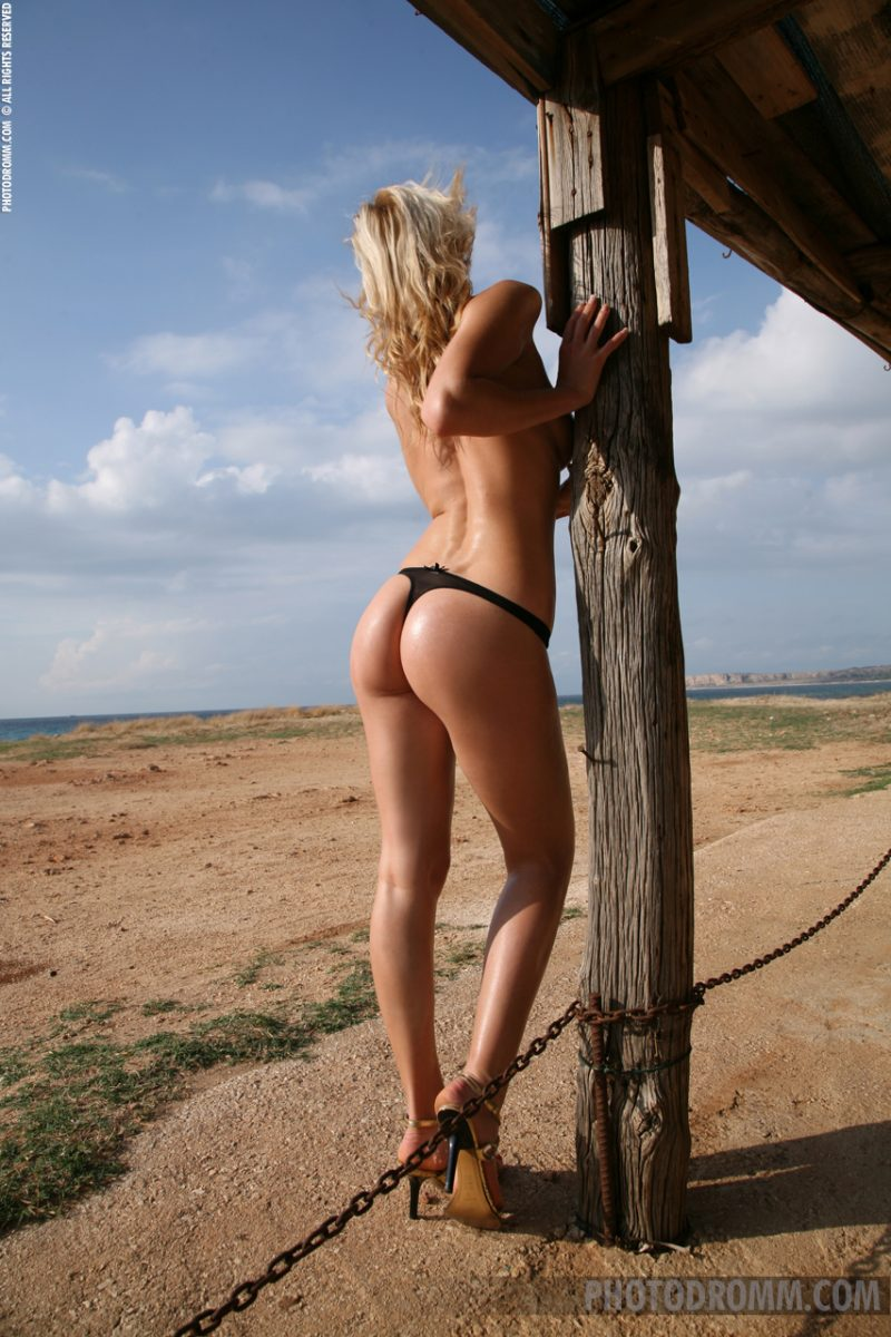 dominika-beach-bar-photodromm-03