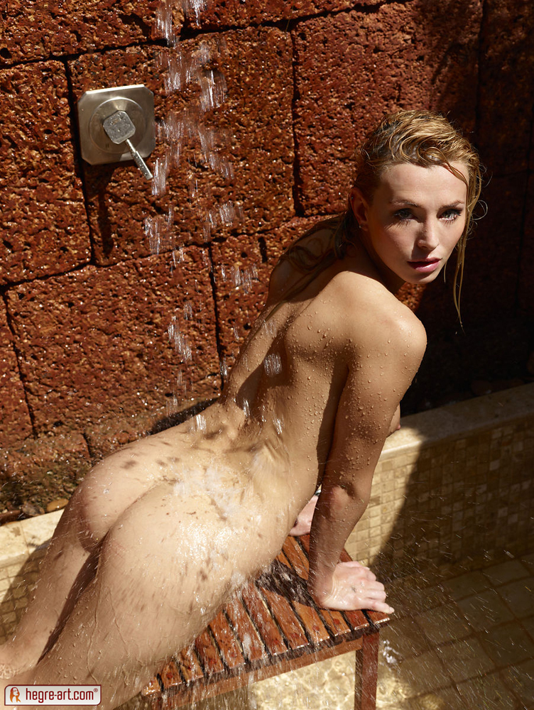 coxy-outdoor-shower-hegre-art-06