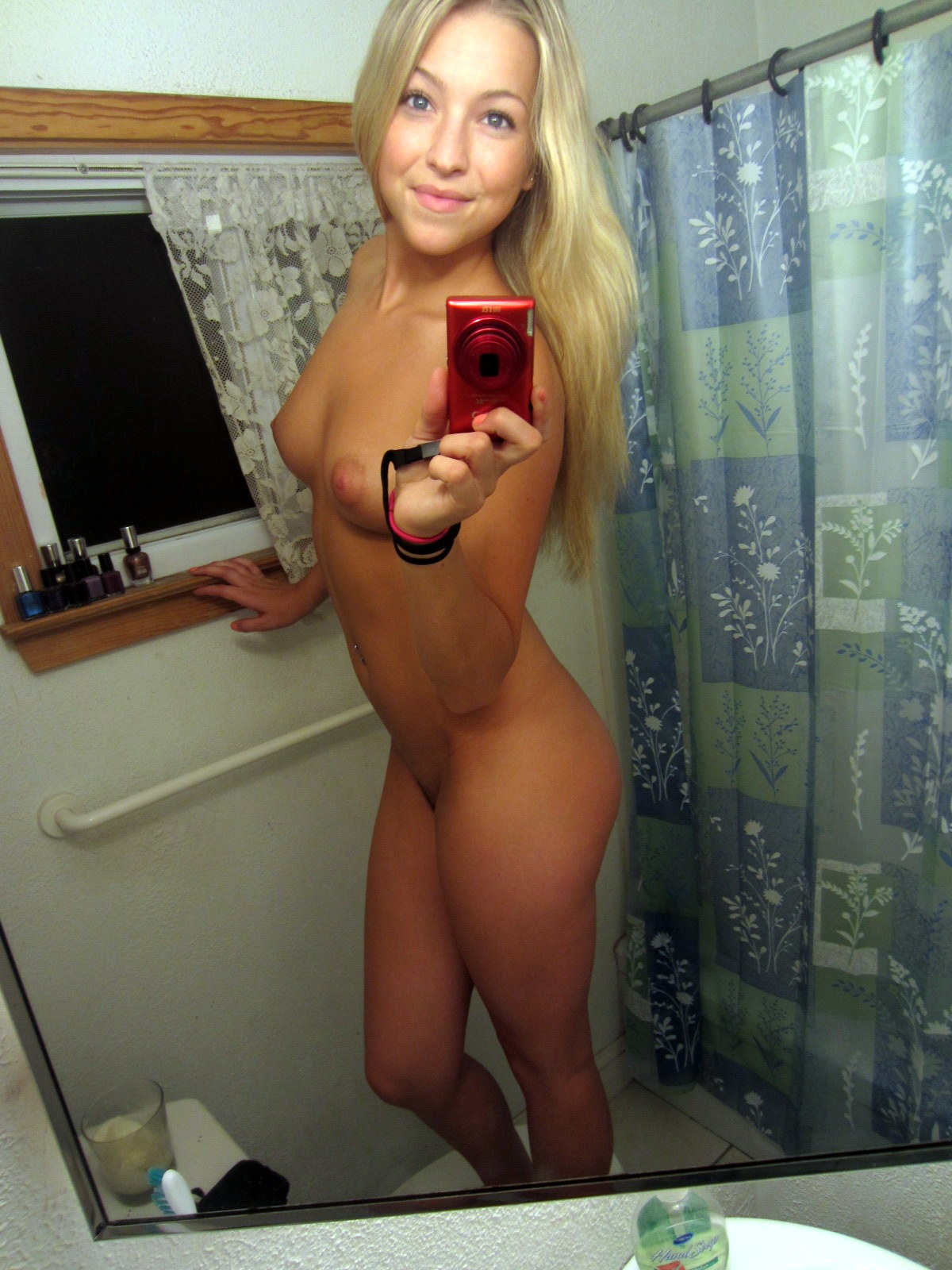blonde bathroom nudes Amateur