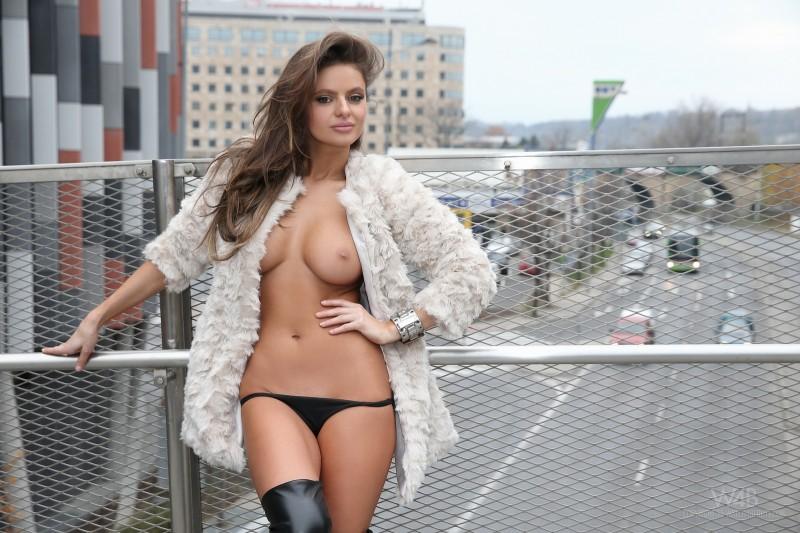 dana-harem-nude-public-watch4beauty-35