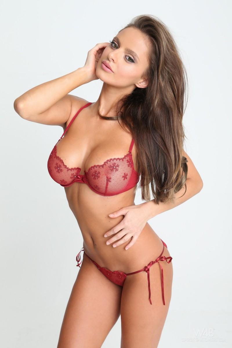 dana-harem-casting-lingerie-watch4beauty-04