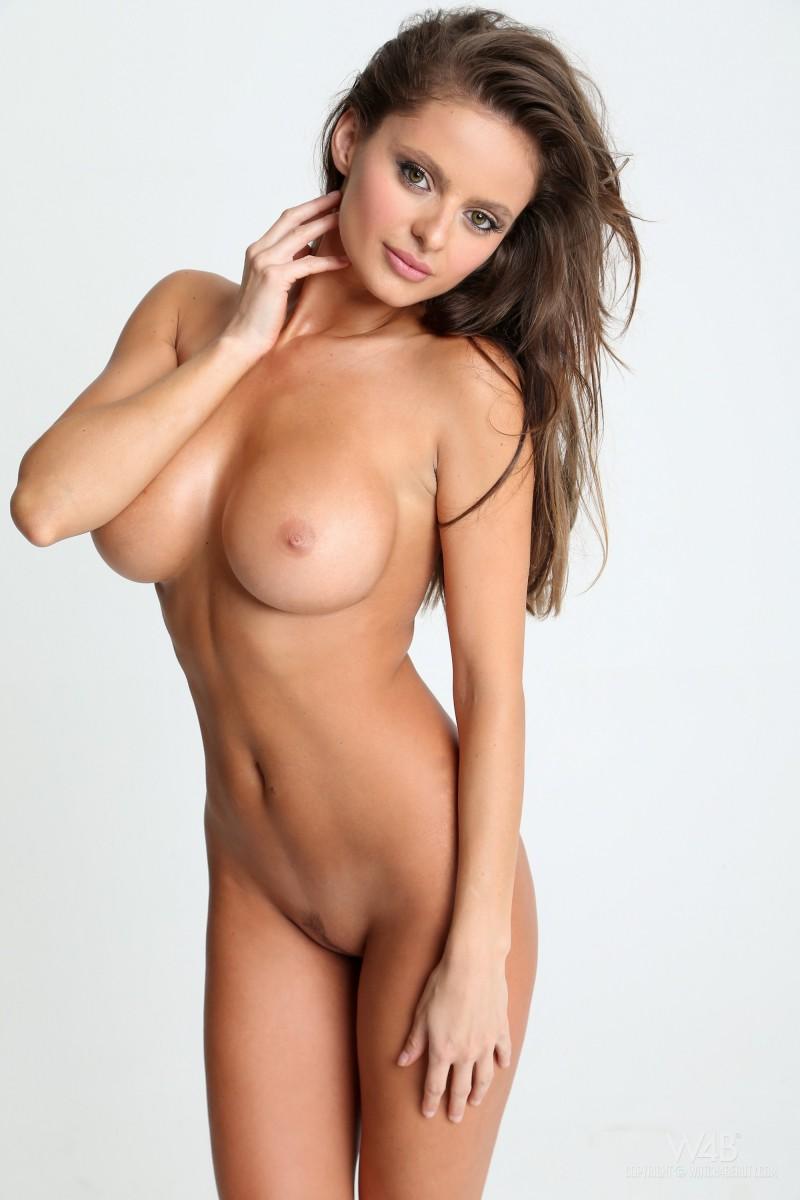 dana-harem-casting-lingerie-watch4beauty-12
