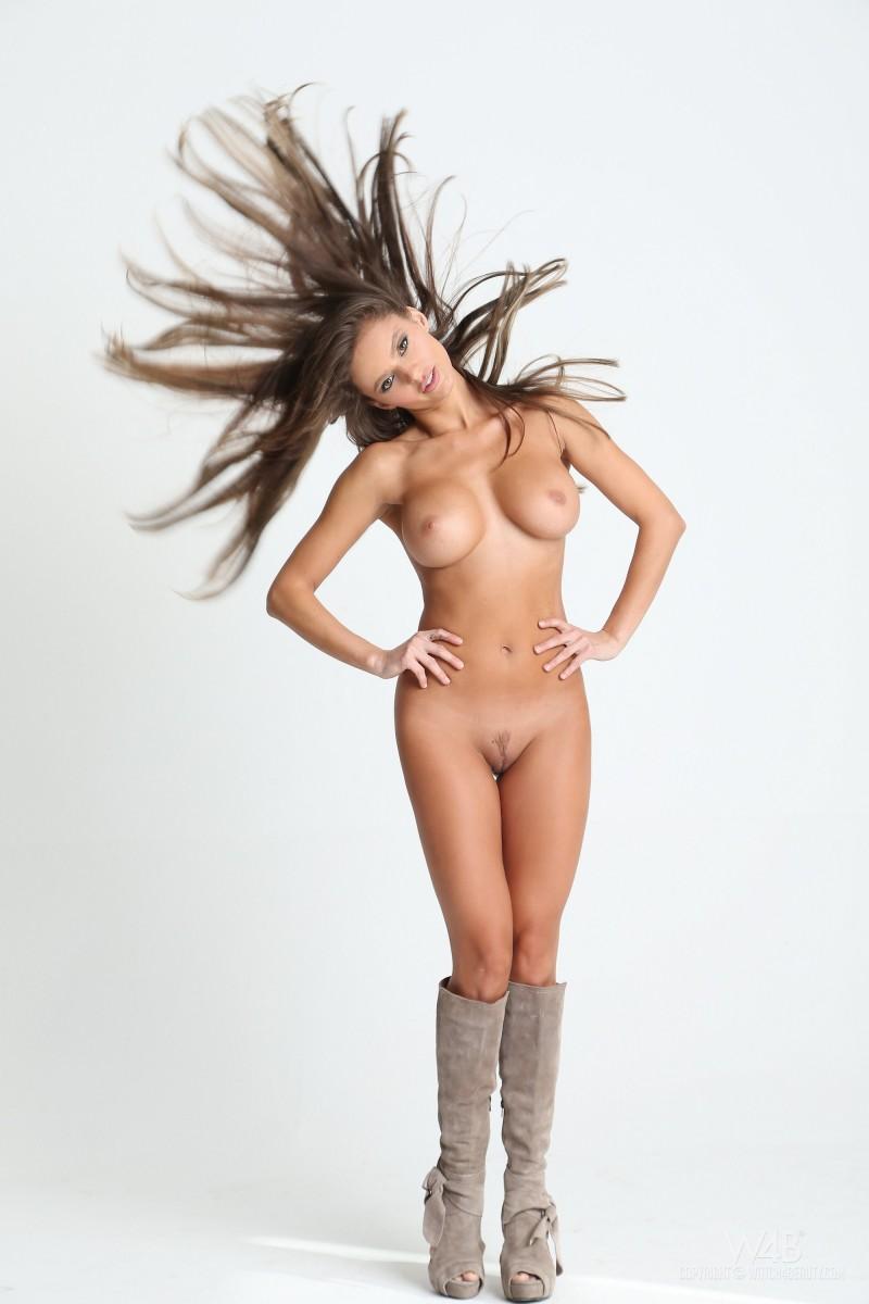 dana-harem-casting-lingerie-watch4beauty-13