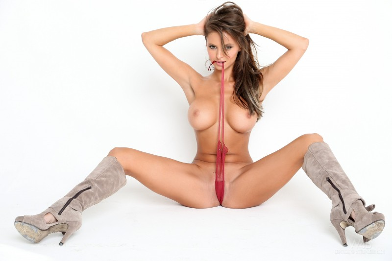 dana-harem-casting-lingerie-watch4beauty-18