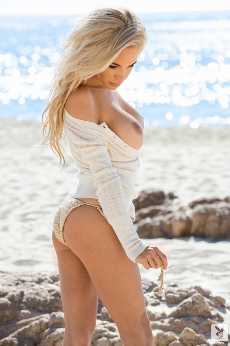 dani-mathers-naked-beach-seaside-playboy-06