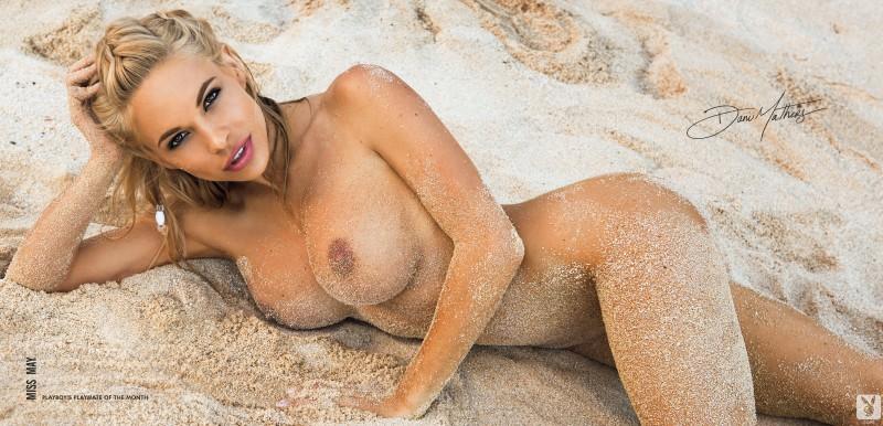 dani-mathers-naked-beach-seaside-playboy-21