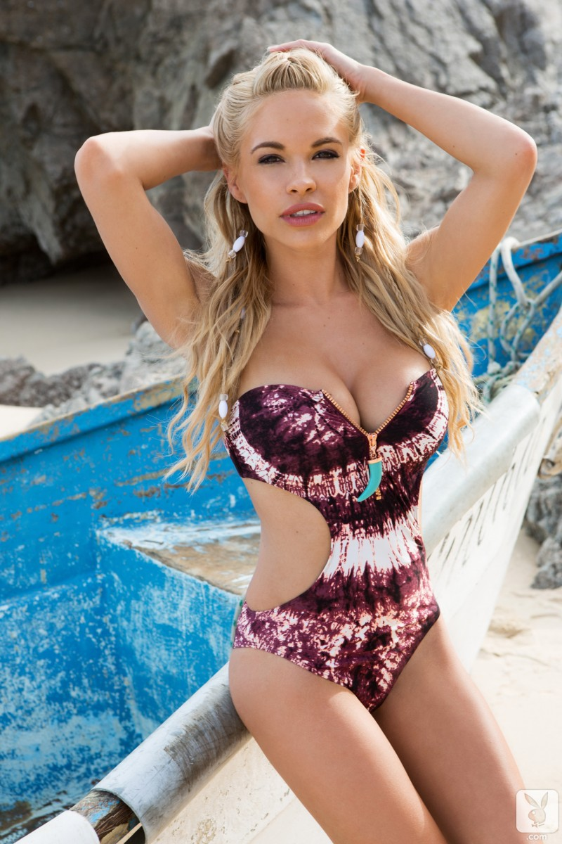 dani-mathers-beach-nude-playboy-01