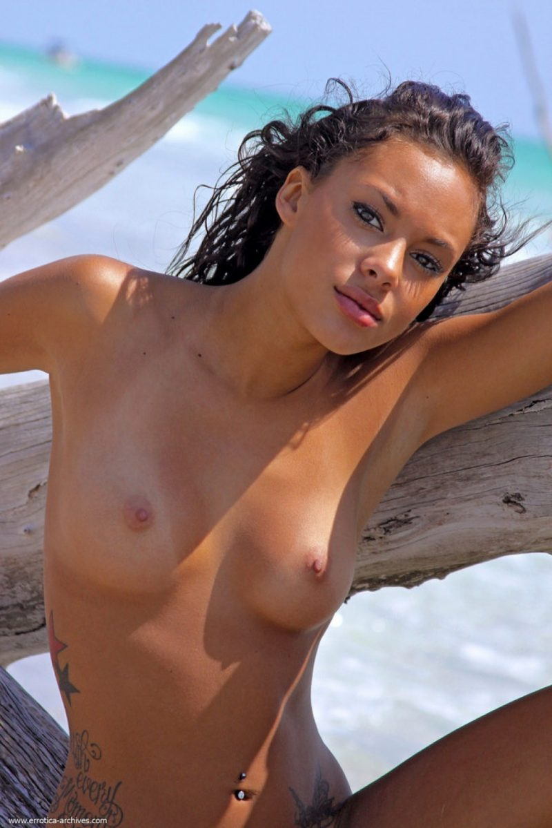 danica-seaside-beach-nude-errotica-archives-07