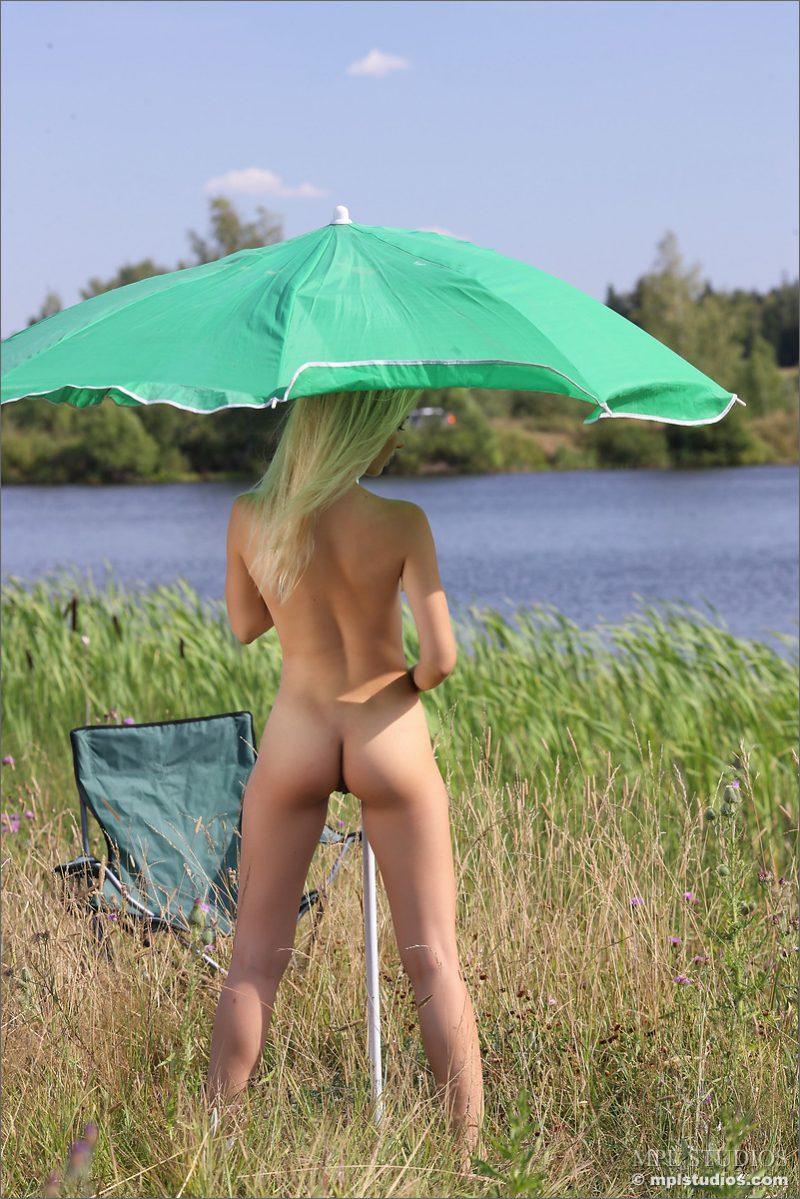 danica-nude-green-umbrella-mplstudios-12