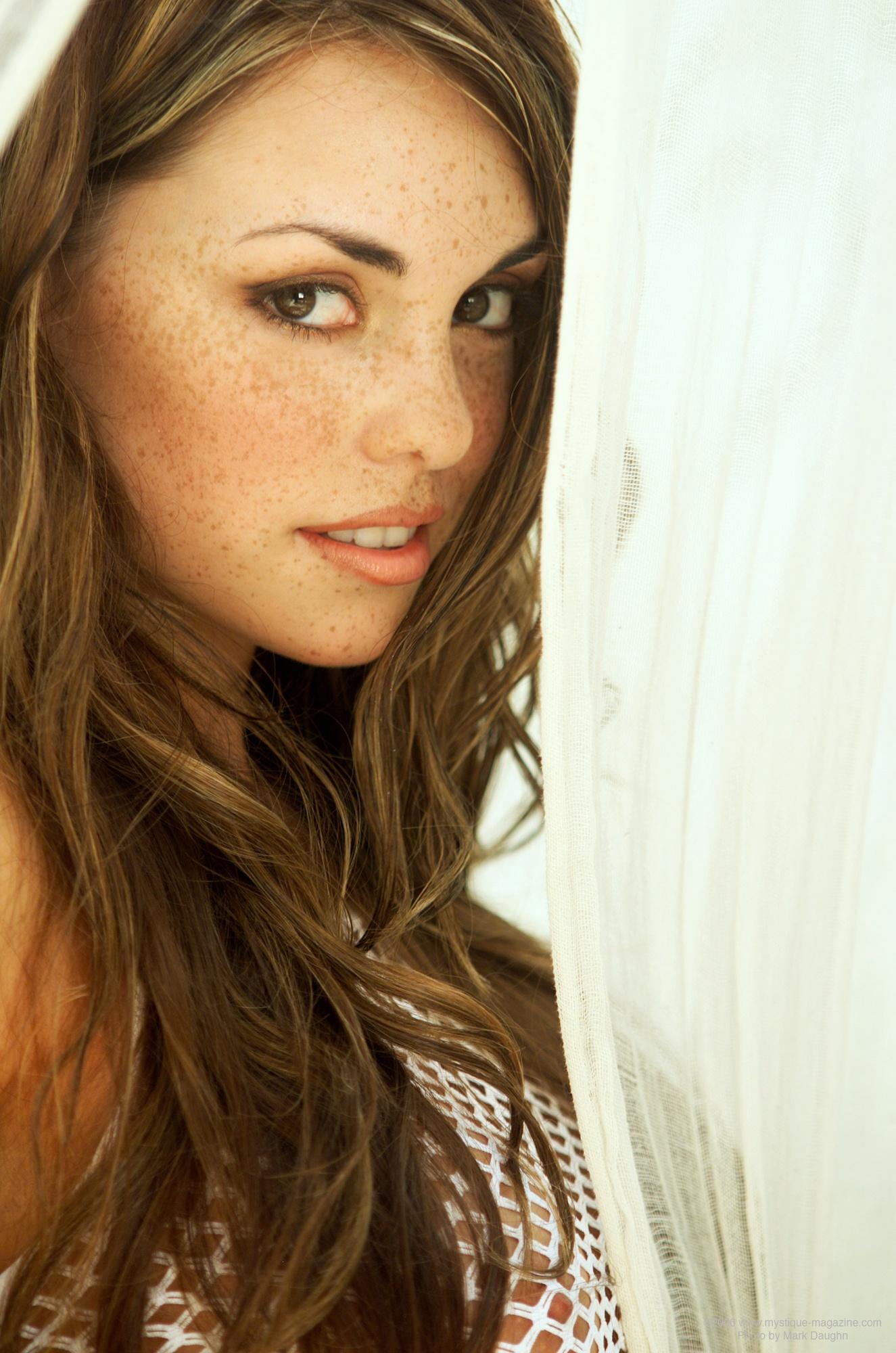 danielle-gamba-boobs-white-fishnet-nude-mystique-03