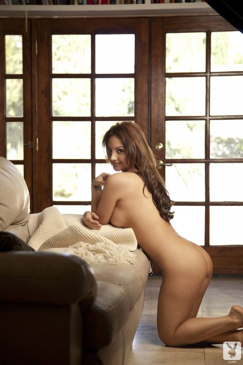danielle-robinson-lingerie-playboy-31