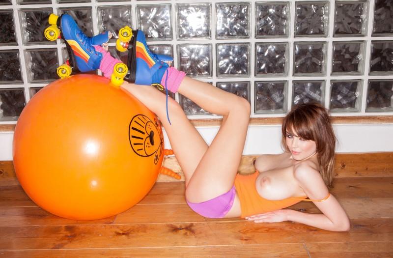 danielle-sharp-topless-2013-calendar-23