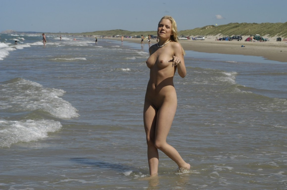 naked young Beach
