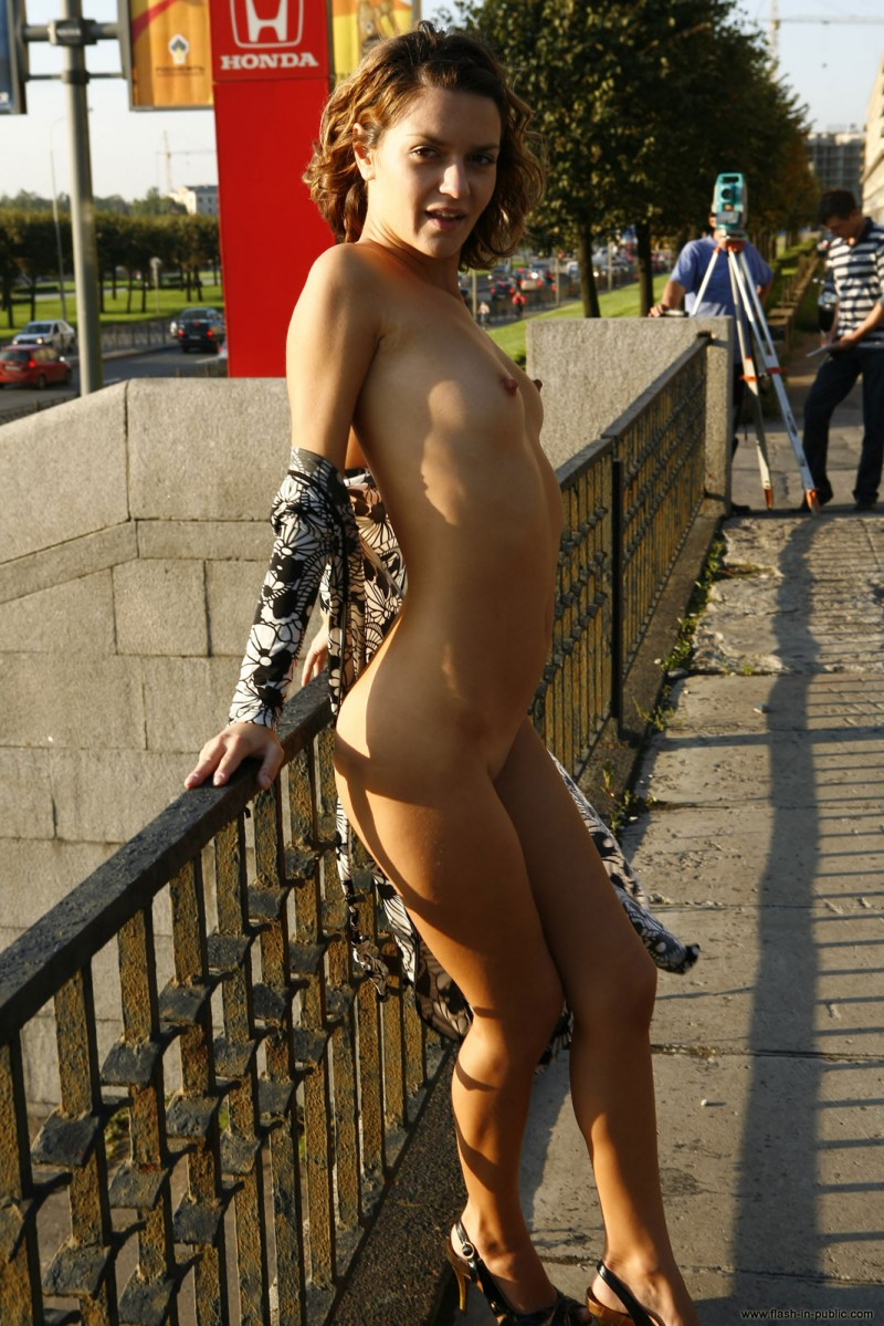 daria-flash-in-public-02