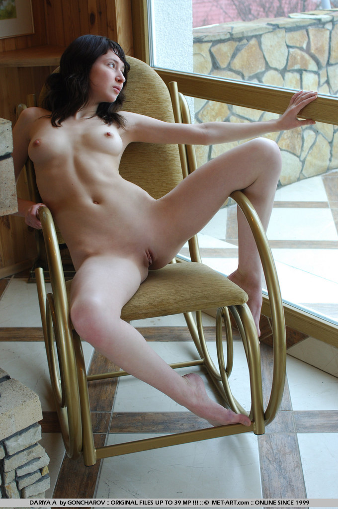 dariya-a-rocking-chair-metart-02
