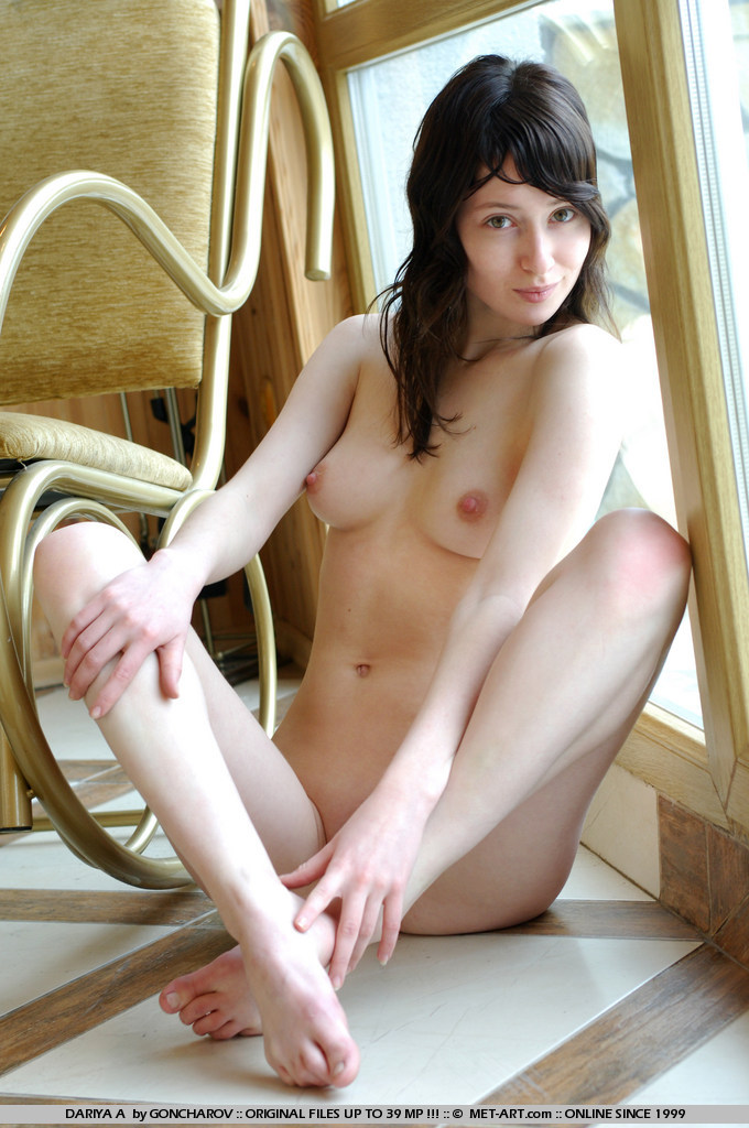 dariya-a-rocking-chair-metart-10