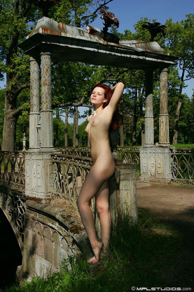 daria-nude-st-petersburg-mplstudios-17