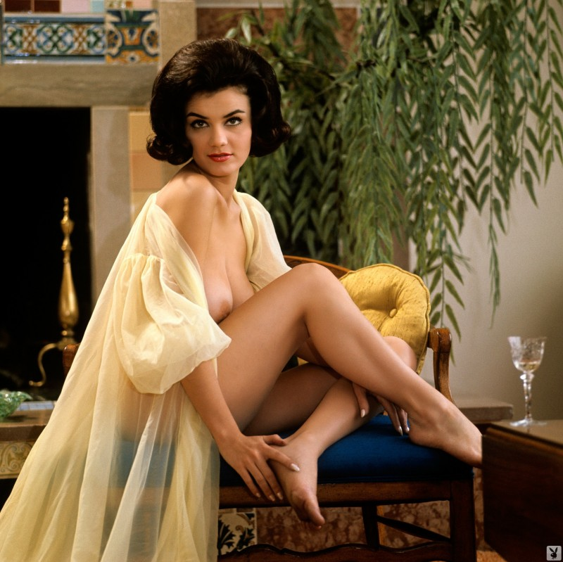 delores-wells-miss-june-1960-playboy-10