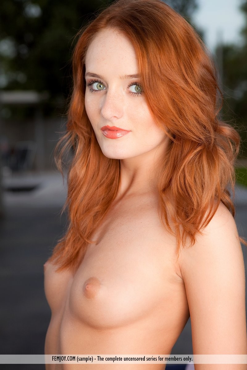 Can not sexy naked green eyed girl