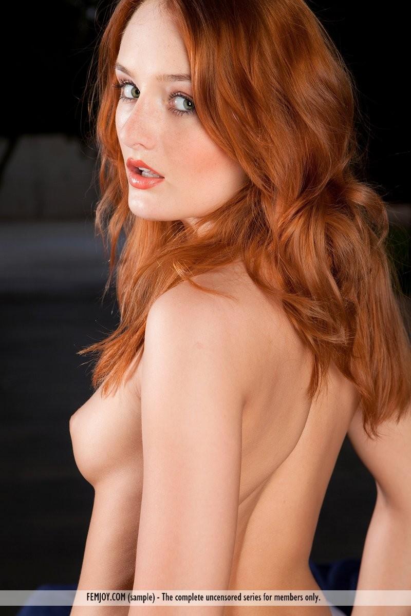 denisa-naked-redhead-outdoor-femjoy-08
