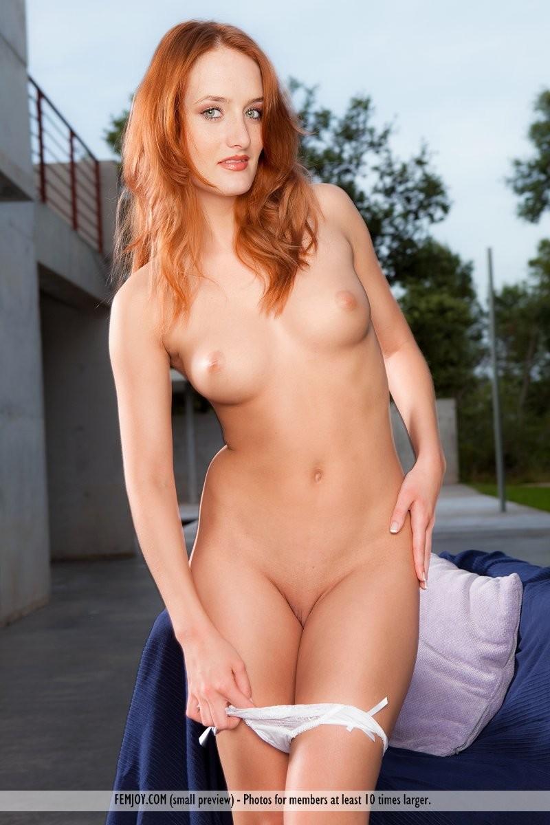 denisa-naked-redhead-outdoor-femjoy-09
