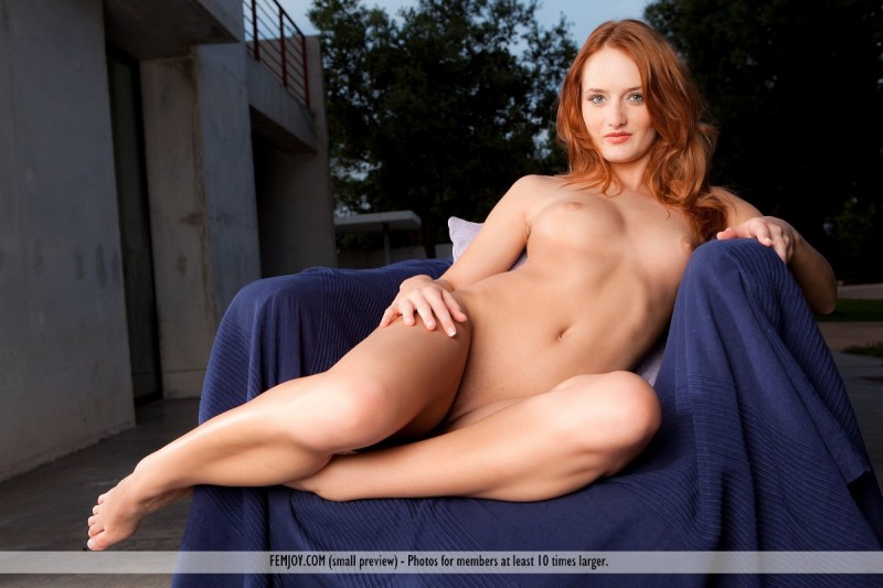 denisa-naked-redhead-outdoor-femjoy-11