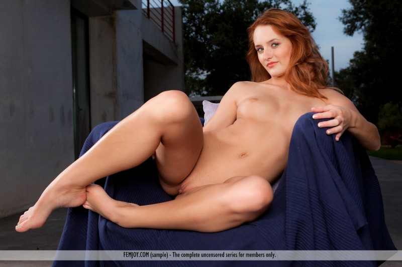 denisa-naked-redhead-outdoor-femjoy-12