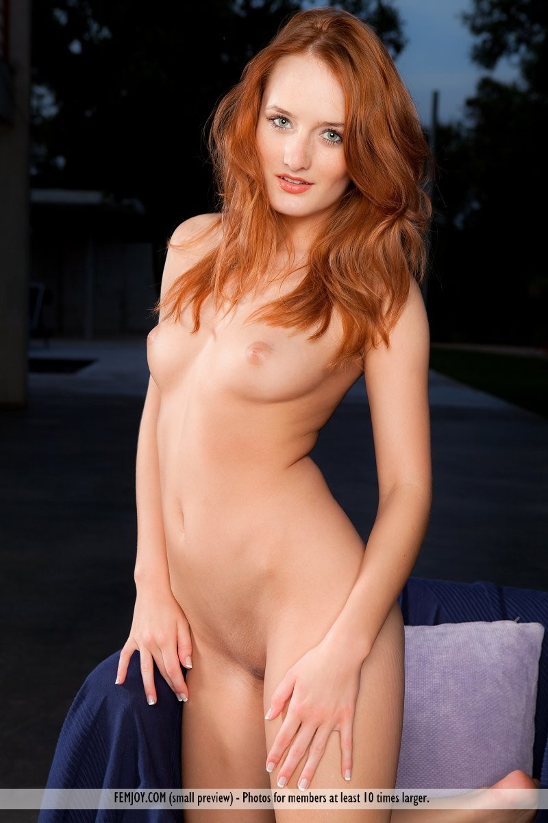 denisa-naked-redhead-outdoor-femjoy-13