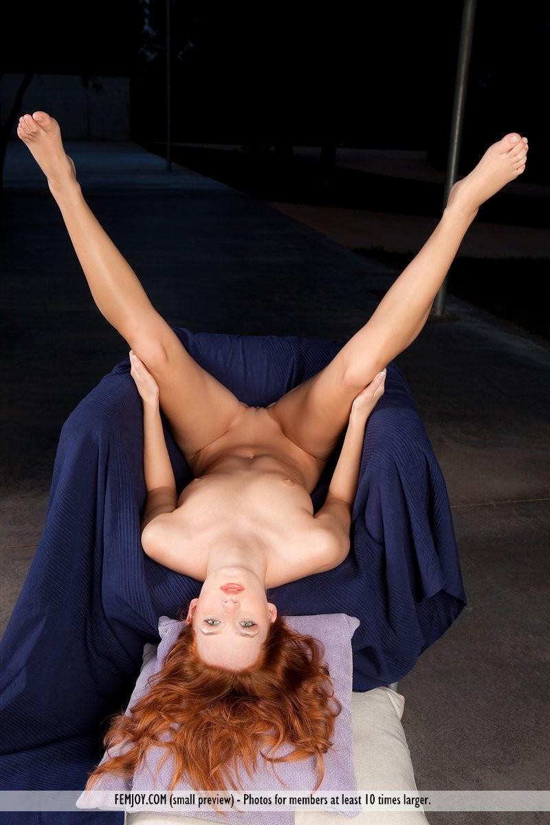 denisa-naked-redhead-outdoor-femjoy-15