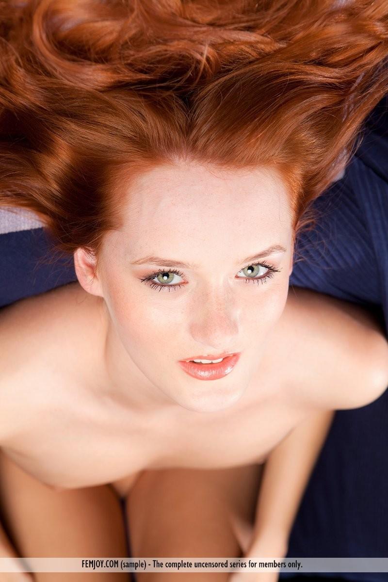 denisa-naked-redhead-outdoor-femjoy-16