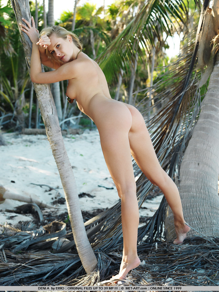 denisa-markova-tropical-island-metart-18